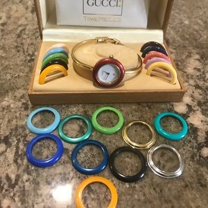 💯 Auth Gucci watch with bezels
